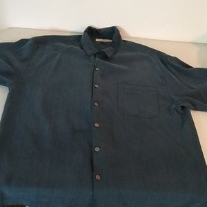 Tommy Bahama size L 100% silk short sleeve